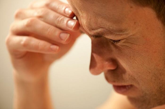 Одни из симптомов ВЧД это головная, скачки АД и шум в ушах