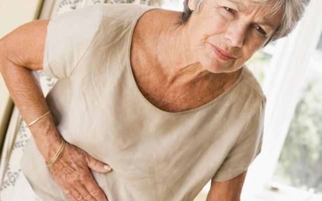 Боль в животе - один из симптомов гастрита