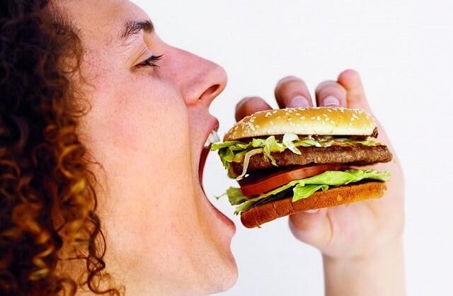 Неправильное питание напрямую влияет на развитие гастрита