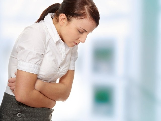 Боль в животе - это первый признак заболевания